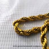 Kalung Titanium tambang emas