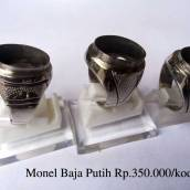 Ring Monel Baja Putih