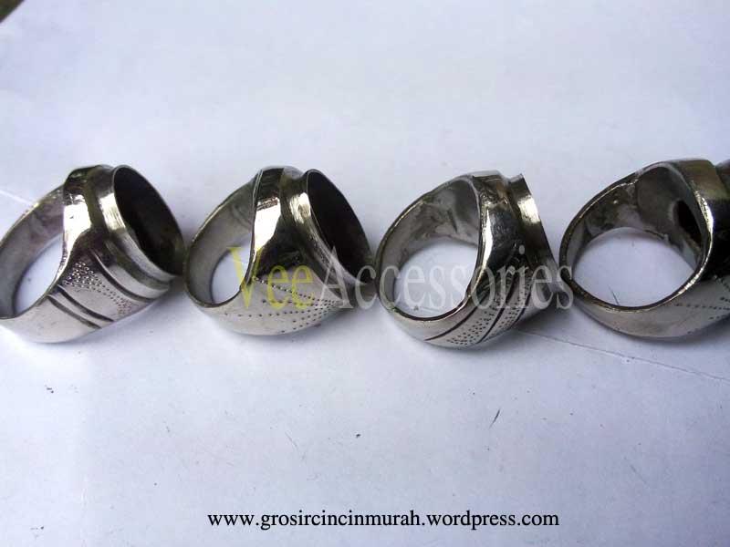 Grosir Ring Emban Cincin Monel Baja Putih Model Tanam