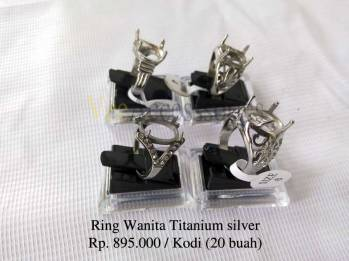 Ring cincin wanita titanium silver