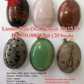 Liontin Batu oval Natural 32x15 - L5 Rp.800.000/kodi (20 buah) Spesifikasi: Jenis Batu : Giok, Agate, Garnet, Jasper dll Dimensi : Diamter 32mm - 15mm Color: campur Berat: 8 - 9 gram/pcs Clarity : Tidak Tembus sinar Shape / Cut : Oval Origin : Impor Cina Treatment : Natural Jenis Ikatan: Rhodium Note: Keaslian batu sudah diuji melalui metode penyinaran (senter), Api/Bakar dan Diamond Selector